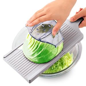 手軽で簡単!お料理が得意になれちゃう、おすすめのスライサー特集!のサムネイル画像