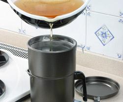 揚げ物をした後、油の処理に便利なおすすめのオイルポットです!のサムネイル画像