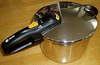 圧力鍋って日本製も外国製もあるけど、どれがいいとかあるの?のサムネイル画像