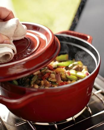 ホーロー鍋ってあると本当に便利なの?ホーロー鍋のメリットと選び方のサムネイル画像