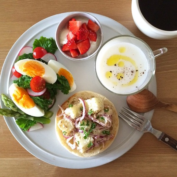 プレートを使っておしゃれカフェご飯♪プレートのおしゃれな使い方♪のサムネイル画像