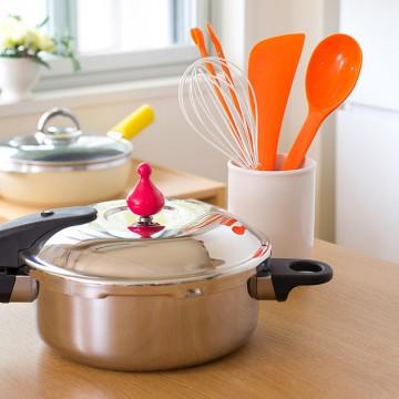 本格的な料理もあっという間に出来上がる便利なIH対応の圧力鍋!のサムネイル画像