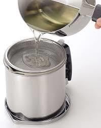 揚げ物で使った油を再利用!おすすめオイルポットをご紹介♪のサムネイル画像