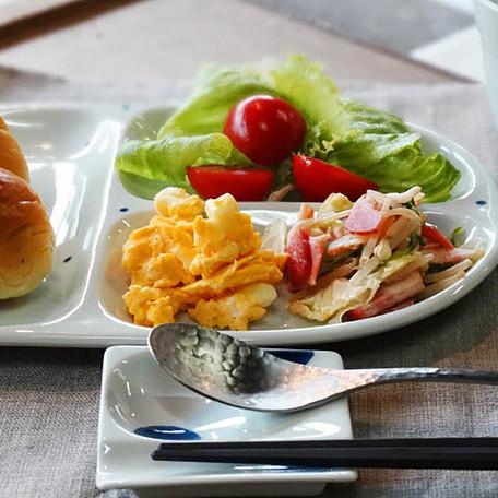 お皿をランチプレートに!お皿をおしゃれカフェのランチプレートに!のサムネイル画像