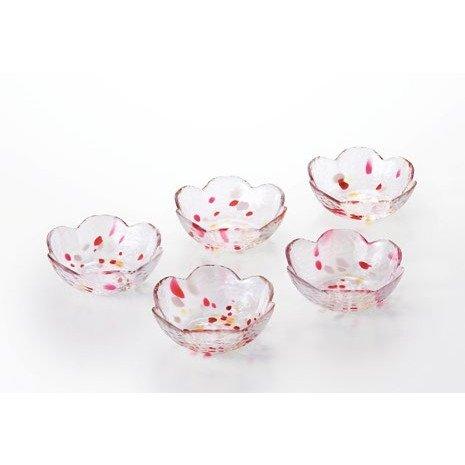 ガラス小鉢で食事を素敵に演出!おしゃれガラス小鉢で素敵な食卓に!のサムネイル画像
