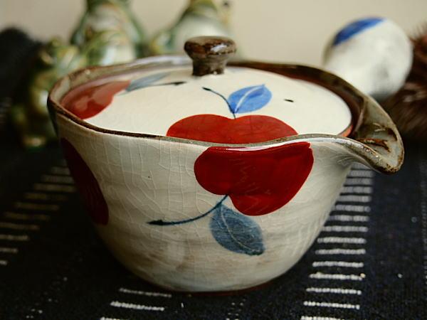 おしゃれな有田焼の急須でおいしい日本茶を!素敵有田焼の急須たち!のサムネイル画像