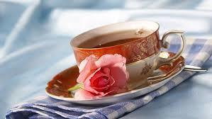 おしゃれなティーカップで午後の紅茶タイムを楽しみましょう♪のサムネイル画像
