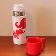 いつでも水分補給♪かわいいコップ付き水筒をご紹介します♪のサムネイル画像